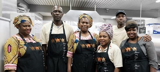 Ein Teil des Teams von Dembadu Catering